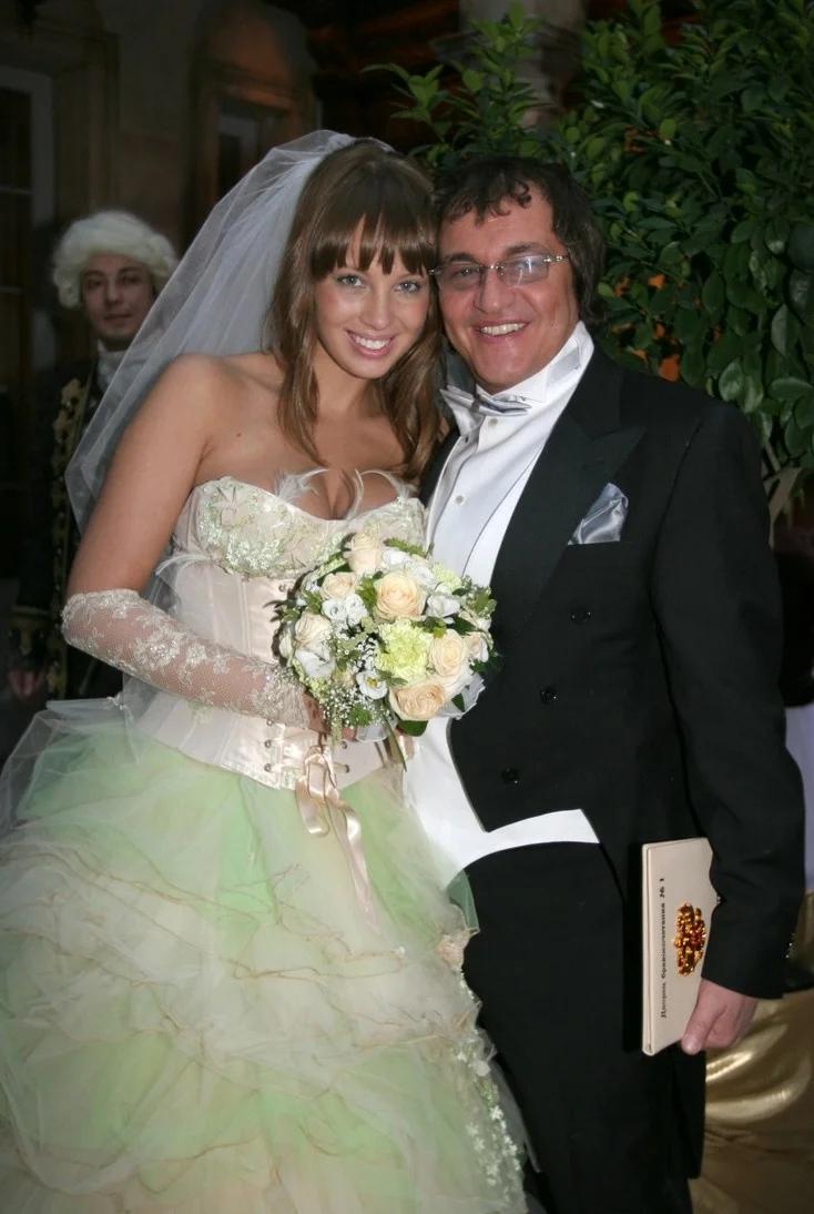 Нелепые свадебные наряды российских знаменитостей