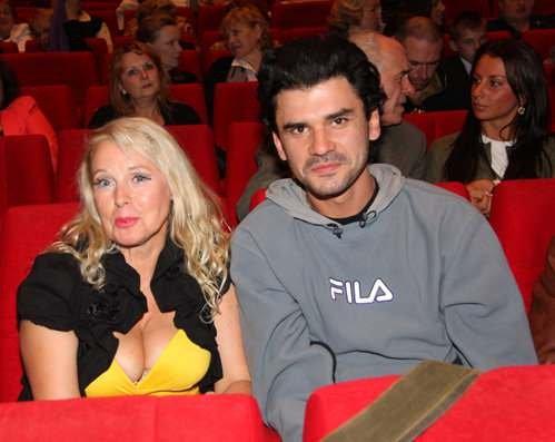 У любви нет возраста: российские знаменитости, которые намного старше своих мужей